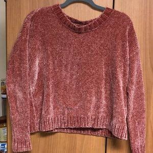 Sweaters - Nude pink sweater // cropped